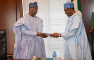 Buhari never offered me automatic ticket in 2019- Saraki