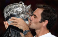 Federer sets new Grand Slam record